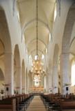 Vaade koori suunas piki kesklöövi. Foto A.Maasik 2009