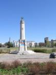 II maailmasõjas hukkunute ühishaud, reg. nr 5772. Vaade 2006. aastal monumendi rikkumisest. Foto: Anne Kaldam, kuupäev 08.05.2006
