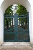 Ilumäe kabeliaia piirdemüür. Restaureeritud peaväravad. Foto: M.Abel, kp 03.10.14