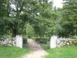 Valjala kalmistu väravad. Foto: Rita Peirumaa. Kuupäev  28.08.2008