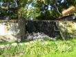 Idaküljes lagunev õue piirdemüür  Autor Kalli Pets  Kuupäev  24.09.2008
