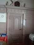Kabala mõisa peahoone sisevaade, mõisahärra kabineti/magamistoa uks. Foto K. Klandorf 21.04.2016.