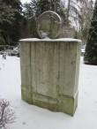 II maailmasõjas hukkunute ühishaud, monumendi tagakülg. Foto: K. Saks, 16.01.2017