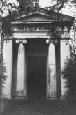 Wildenbergi kabel Kudjape kalmistul. Foto: Kuressaare Linnavalitsuse arhiiv.
