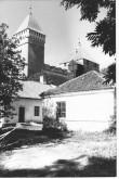 Vaade Kuressaare Linnusele. Esiplaanil Lossihoov 1 hooned. Foto: Kuressaare Linnavalitsuse arhiiv.