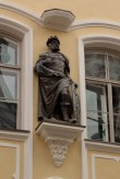 Tallinna Kanuti gildi hoone. 31.08.2017. Püha Kanuti skulptuur fassaadil. Foto: Timo Aava