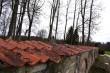 Võisiku mõisa kalmistu piirdemüür põhjapoolne jooks kesksest väravast  Aeg: 30.10.2017 Foto: Sille Raidvere