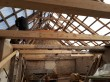 Kaarma pastoraadi katusekonstruktsiooni restaureerimistööd. Foto: Keidi Saks, 26.04.2018