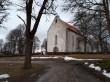 Vaade Karja kirikule sissepääsu teelt. Foto: Keidi Saks, 05.04.2018