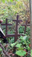 Uhke kolmeharuline rist Hulja kalmistul. Foto: M.Abel, kp 04.10.18
