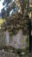 Hauatähise fragment Tõrma kalmistul. Foto: M.Abel, kp 17.10.18