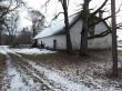 Saksi mõisa ait-kuivati. Foto: Raili Uustalu 07.12.2018. Vaade hoonele loodest.