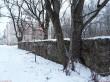 Liigvalla mõisa pargi piirdemüürid. Foto: Raili Uustalu 31.12.2018. Vaade piirdemüürile põhja suunas.