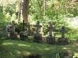 Püha kalmistu dolomiidist hauatähised. Foto: Keidi Saks, 03.08.2018