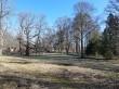 Karinu mõisa park, vaade peahoone lõunanurga juurest põhjasuunas. Foto: K. Klandorf 17.04.2019.