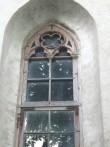 Neogooti aknaraami ülaosa kiriku lõunaküljel. Foto: M.Koppel. 2009