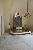 Haljala kiriku konserveeritud kooriruum ja altarimaal. Foto: Peeter Säre, 2018