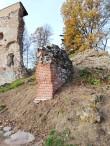 I Eeslinnusel lääne-põhjaseina nurgas oleva müürilõik. Konserveeritud 2019 aastal.  Konserveerimise tööjoonise koostas arhitekt Mart Keskküla (AS Restor). Foto: Monika Vestman