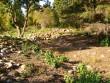 Vaade Mustjala Võhma vallsulendiku õuealale. Foto: R. Peirumaa, 2008.