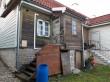 Elamu Rakveres Pikk t 21. Foto: Raili Uustalu 28.10.2019. Hoone restaureerimata tagakülg.