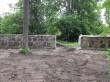 Koigi mõisa pargi piirdemüürid, väravakoha vaade tee poolt. Foto: K. Klandorf 11.07.2019.