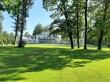 Heimtali mõisa park, 19. saj. Foto: Raili Uustalu 17.06.2020. Vaade peahoone suunas üle esiväljaku.