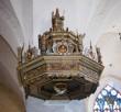 Kantsel kõlaräästaga. Annetatud 1597 (puit, polükroomia). Kõlaräästas. Foto: J.Heinla 2002