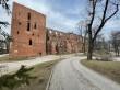 Lossi 25, vaade toomkiriku lõunaküljele idast. Foto Egle Tamm, 12.04.2021.