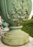Trepistiku kaheksa dekoratiivvaasi. 1885-1887 (malm).Detailvaade Foto: Sirje Simson 12.06.2006