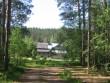 Vaade talule jõe ääres kääbastest lõuna pool. Foto: Viktor Lõhmus, 17.06.2010.