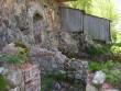 Vaade jõepoolsel küljel olevatele vundamendivaredele.    Autor Ulla Kadakas    Kuupäev  24.05.2005