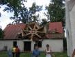 Väike-Maarja kirik 16107-tormikahjustused 08.08.2010 tornikiiver läänepoolsel kabelikatusel. Autor Anne Kaldam  Kuupäev  09.08.2010