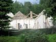 Vihula mõisa möldrimaja : 15967 vaade loodest , seinad on toestatud, vundamendid on kindlustatud.  Autor ANNE KALDAM  Kuupäev  27.08.2010