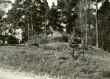 Maa-alune kalmistu - kirdest. Foto: E. Väljal, 06.05.1986.