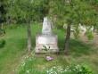 II maailmasõja haud Värska kalmistul. Kirikust väärava poole. Viktor Lõhmus 09.06.2009