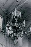 Kroonlühter kuue tulega, 18. saj.? (kristall). Uues kirikus. Foto: 1980