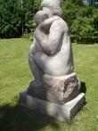 "Skulptuur ""Ema lapsega"". E. Kirs, 1965 (graniit) Foto: Sirje Simson 15.06.2006"