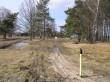 Elektrikaabel mälestise kaitsevööndis. Foto: Martti Veldi, 20.03.2007.
