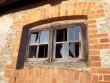 Hagudi mõisa aida aken ja raudtrellid hoone tagumisel küljel. K. Klandorf 28.12.2011