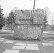 Monumendi üldvaade, graniit. Foto: E. Raiküla, 1977