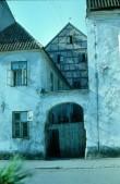 Pärnu, Ait 18.sajandist, vaade Rüütli (end Kalevi) tänava poolt. Foto: A. Joonsaar, 1973. a.