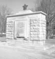 II maailmasõjas hukkunute ühishaua mälestussammas. Foto: H. Kõlar, 1971