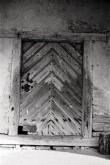 Kolga mõisa aida uks. Foto: Veljo Ranniku 1968