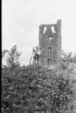 Vastseliina piiskopilinnus. N külje tornijäänused. Foto: V. Rannik 1960