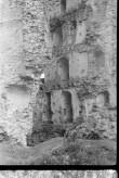 Vastseliina piiskopilinnuse kirdetorni müür seest.  Foto: V. Rannik 1960