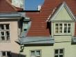 Vaade Pikk 2 maja aknast vastasmajale Tallinna vanalinnas Pikal tänaval Foto: J. Vali 26.04.2005