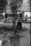 Juugendrist Viljandi kalmistul. Foto: V. Ranniku 1971
