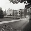 Pangahoone ja Jekaterina kiriku vahle asuv hoone Foto: J. Vali 1991. a. mai