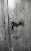 Kodavere kiriku ukse lukusilt ja link. Foto: V. Ranniku 1972